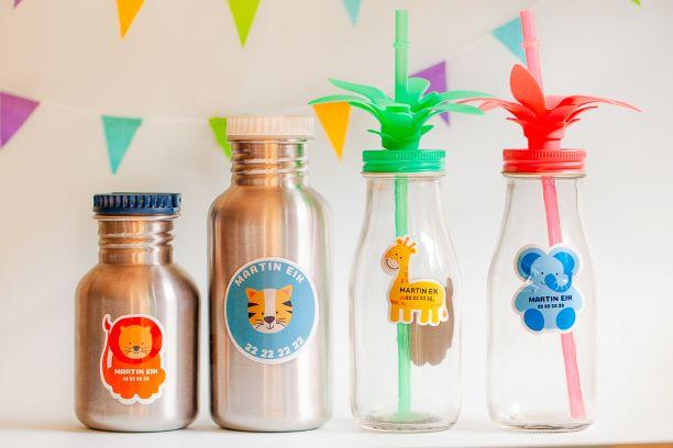 Drikkeflasker til barn med navnelapper av jungeldyr
